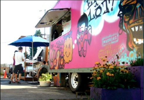 Food carts at Greeley Ave. and N Killingsworth St. Photo by Enid Spitz